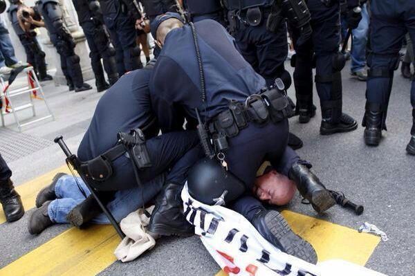 policier espagne
