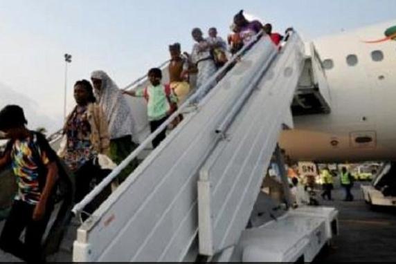 avion-retour-refugie-ivoirin