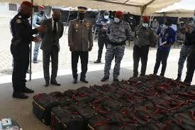 Côte d'Ivoire : La gendarmerie fait une saisie record d'une cargaison de cocaïne  estimée à 25 milliards CFA à Cocody Angré | Lefluxs