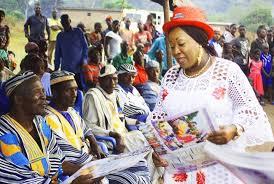 Côte d'Ivoire] Les grandes actions sociales de Mme Mireille Guéï à  Biankouma - Le Point Sur